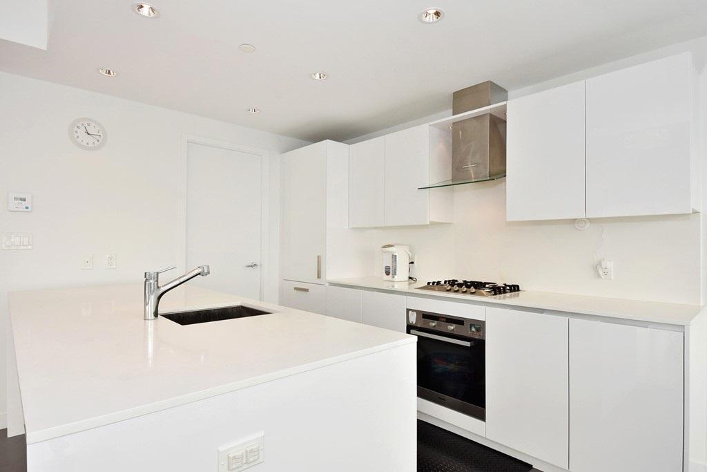 Condo Apartment at 1204 5171 BRIGHOUSE WAY, Unit 1204, Richmond, British Columbia. Image 6