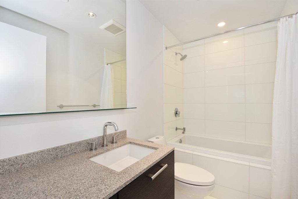 Condo Apartment at 1204 5171 BRIGHOUSE WAY, Unit 1204, Richmond, British Columbia. Image 12