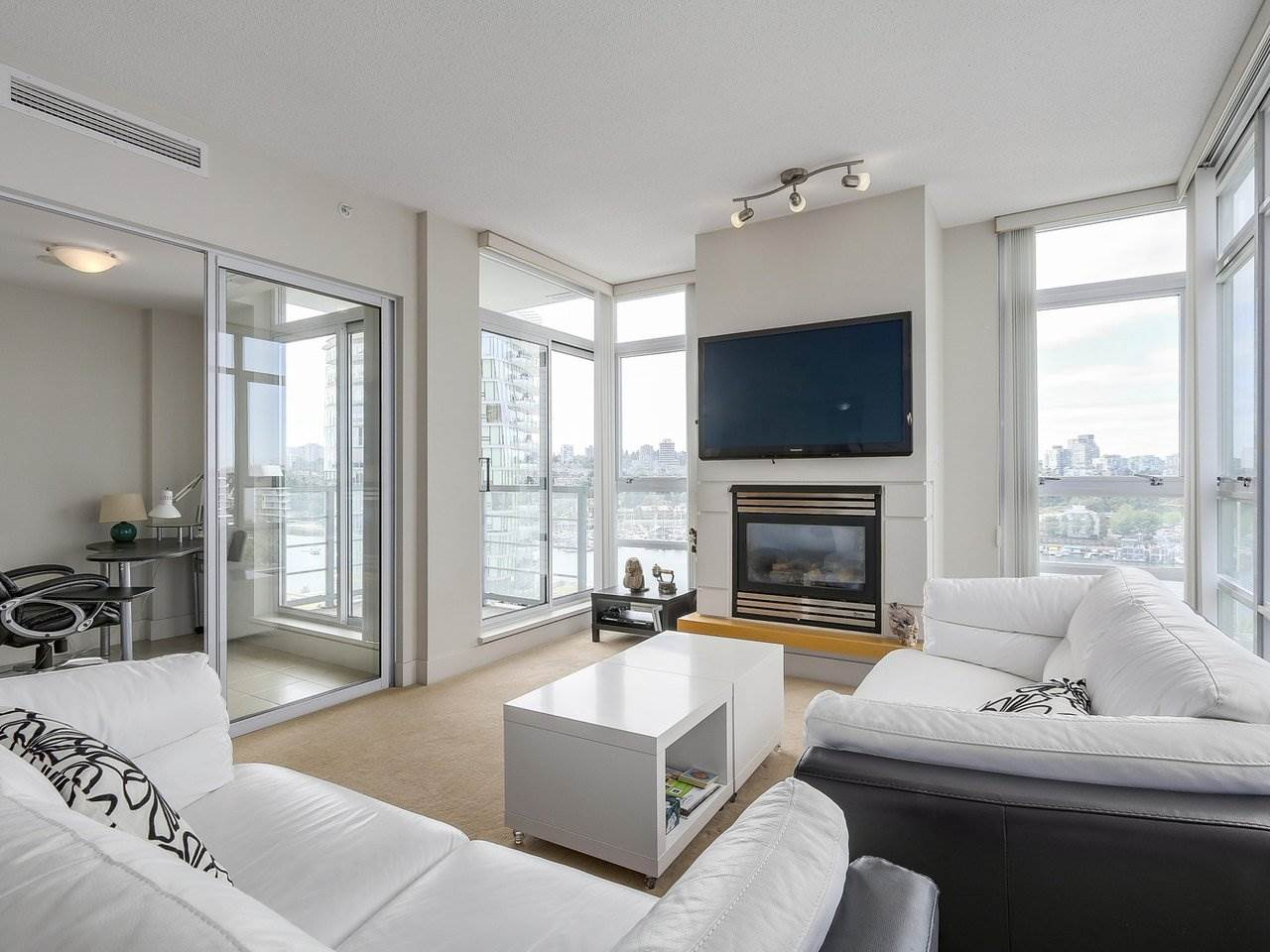 Condo Apartment at 1106 1483 HOMER STREET, Unit 1106, Vancouver West, British Columbia. Image 5