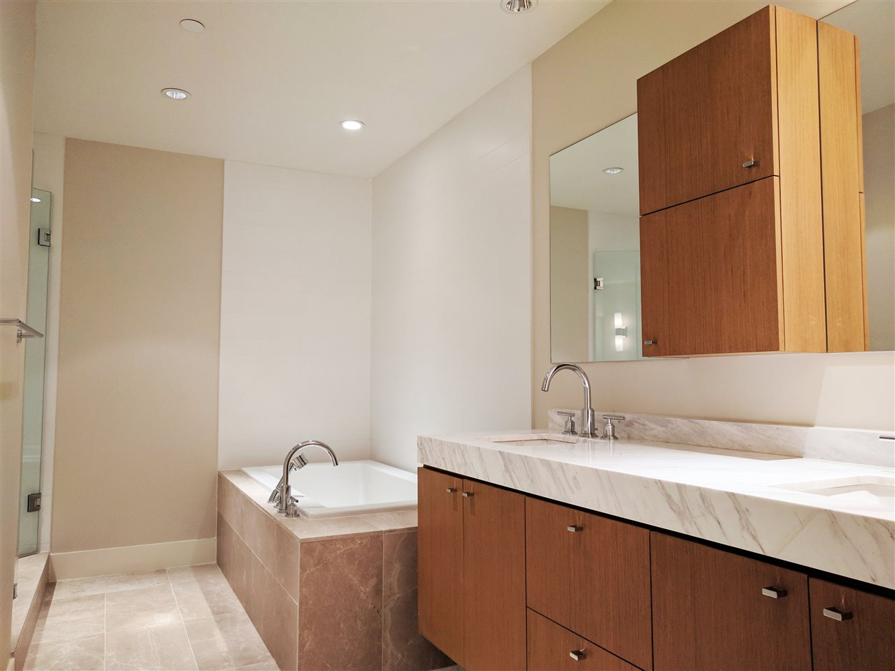 Condo Apartment at 601 866 ARTHUR ERICKSON PLACE, Unit 601, West Vancouver, British Columbia. Image 6