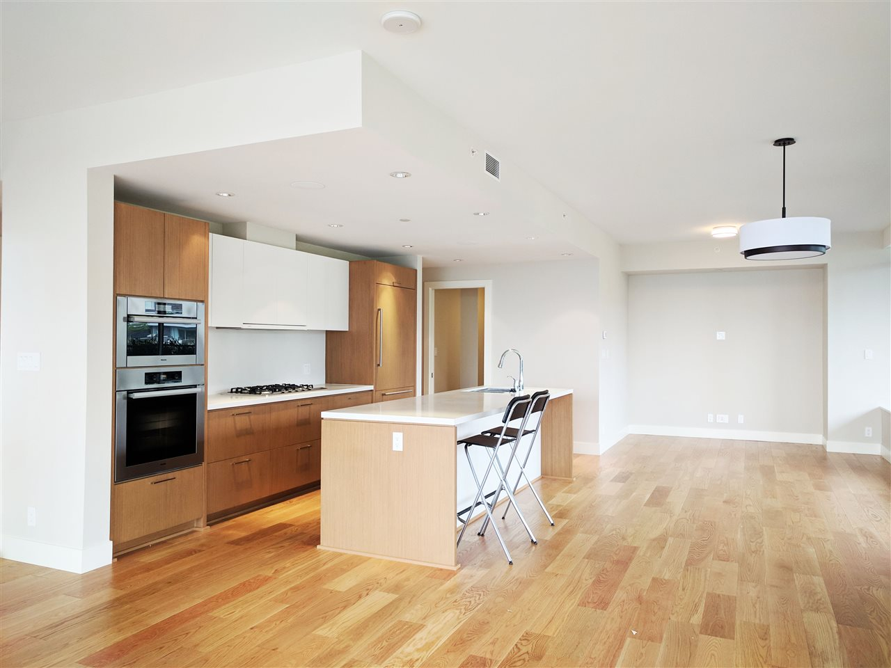 Condo Apartment at 601 866 ARTHUR ERICKSON PLACE, Unit 601, West Vancouver, British Columbia. Image 11