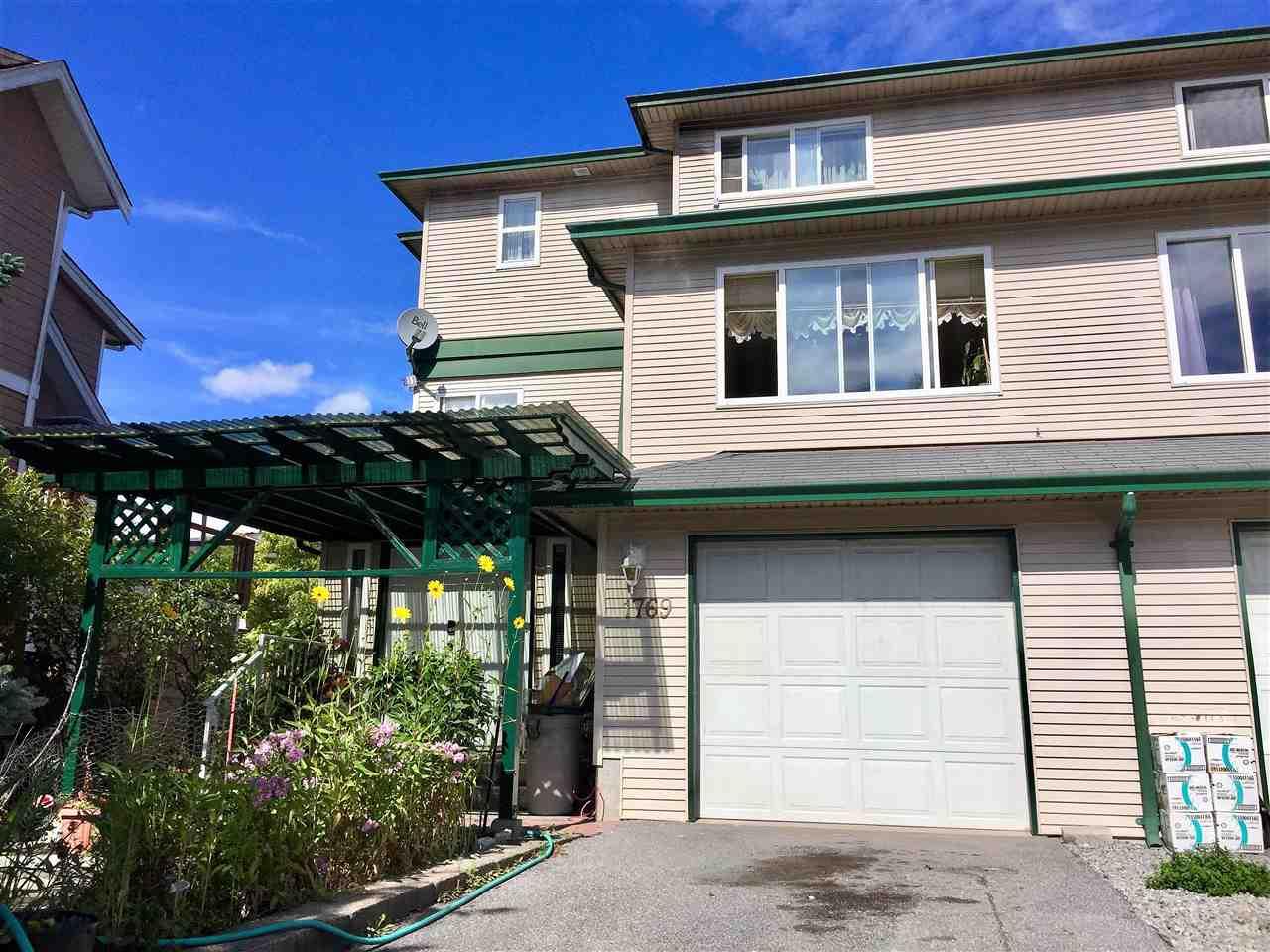 Half-duplex at 1769 HARRIS ROAD, Squamish, British Columbia. Image 1