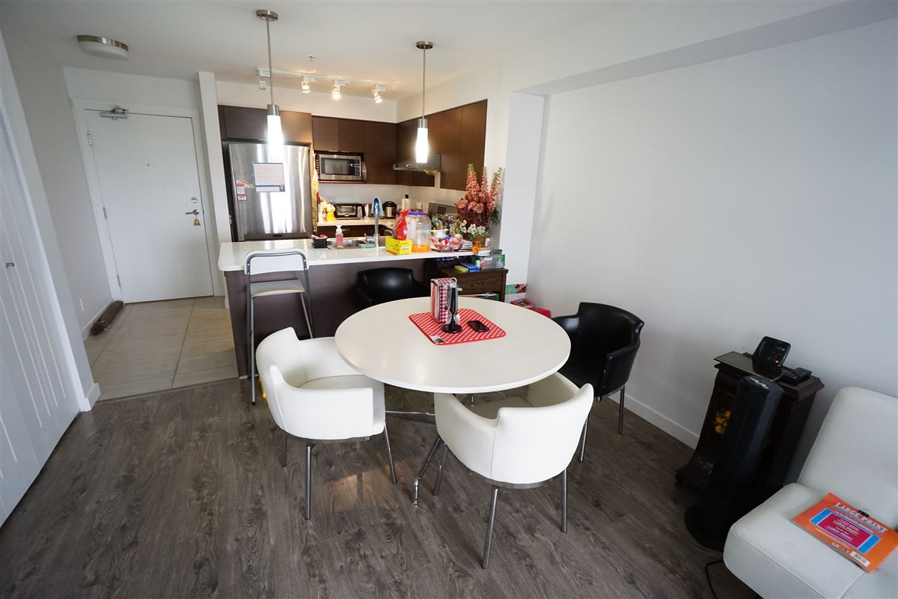 Condo Apartment at 301 12339 STEVESTON HIGHWAY, Unit 301, Richmond, British Columbia. Image 4