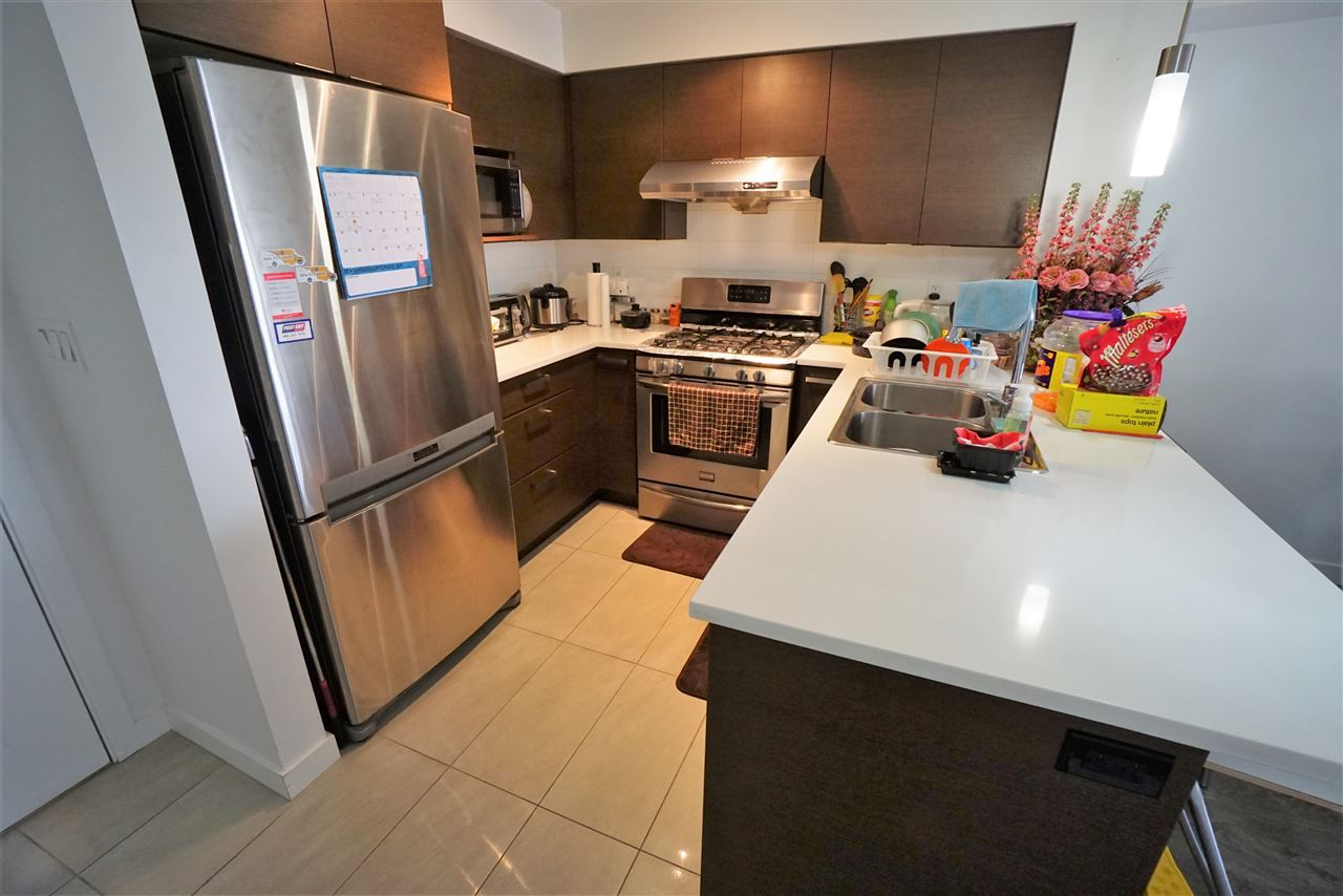 Condo Apartment at 301 12339 STEVESTON HIGHWAY, Unit 301, Richmond, British Columbia. Image 5