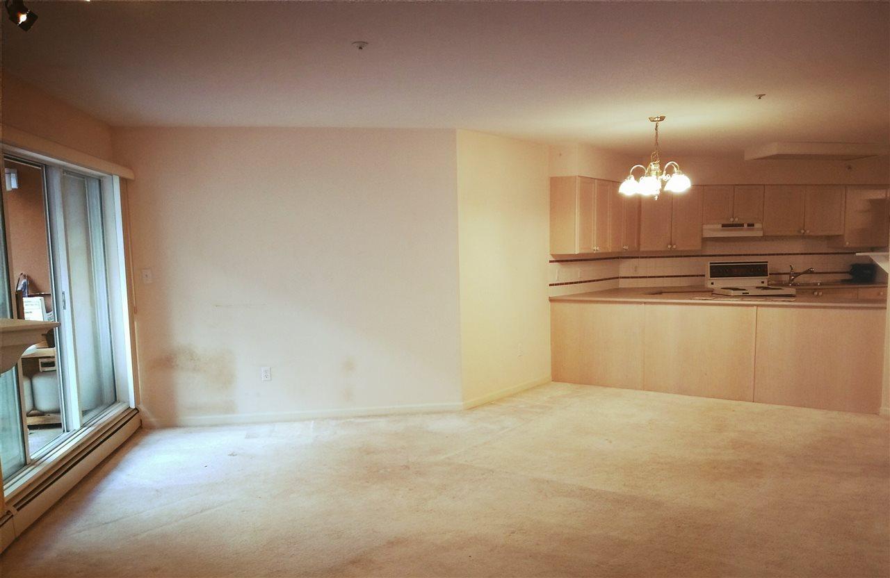 Condo Apartment at 106 15233 PACIFIC AVENUE, Unit 106, South Surrey White Rock, British Columbia. Image 3