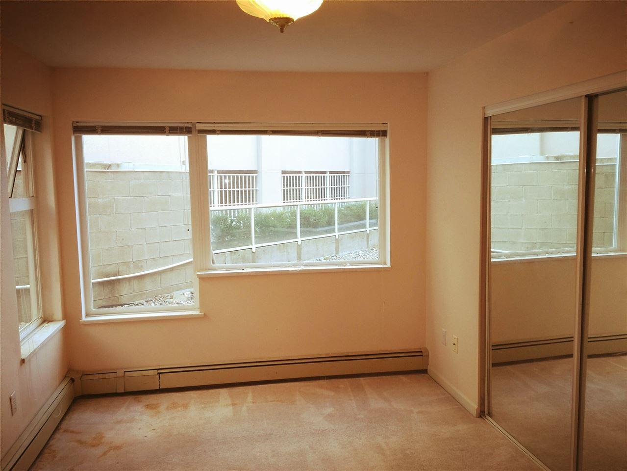 Condo Apartment at 106 15233 PACIFIC AVENUE, Unit 106, South Surrey White Rock, British Columbia. Image 4