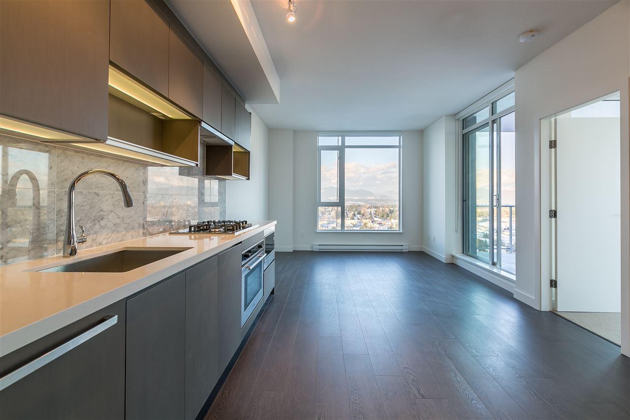 Condo Apartment at 4012 13750 100 AVENUE, Unit 4012, North Surrey, British Columbia. Image 1