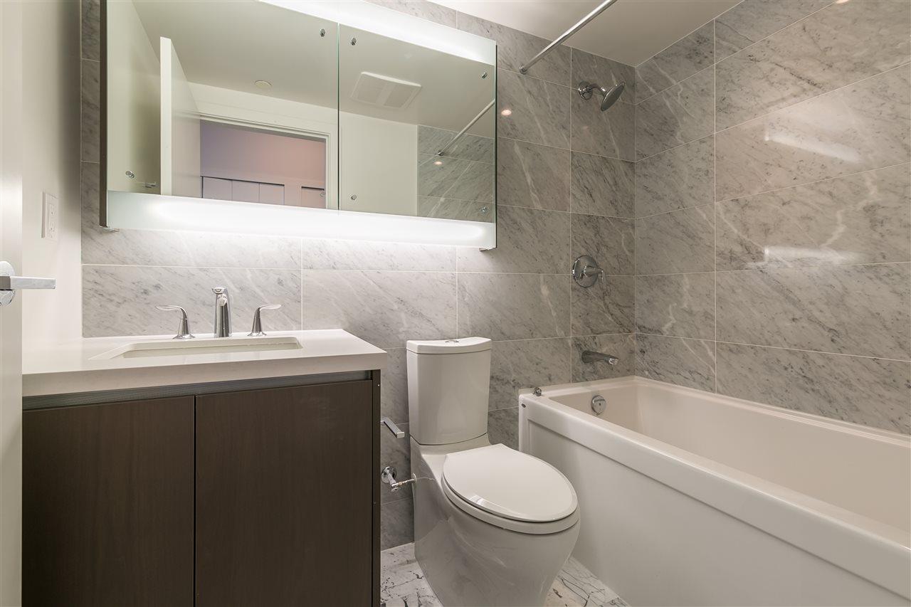 Condo Apartment at 4012 13750 100 AVENUE, Unit 4012, North Surrey, British Columbia. Image 2