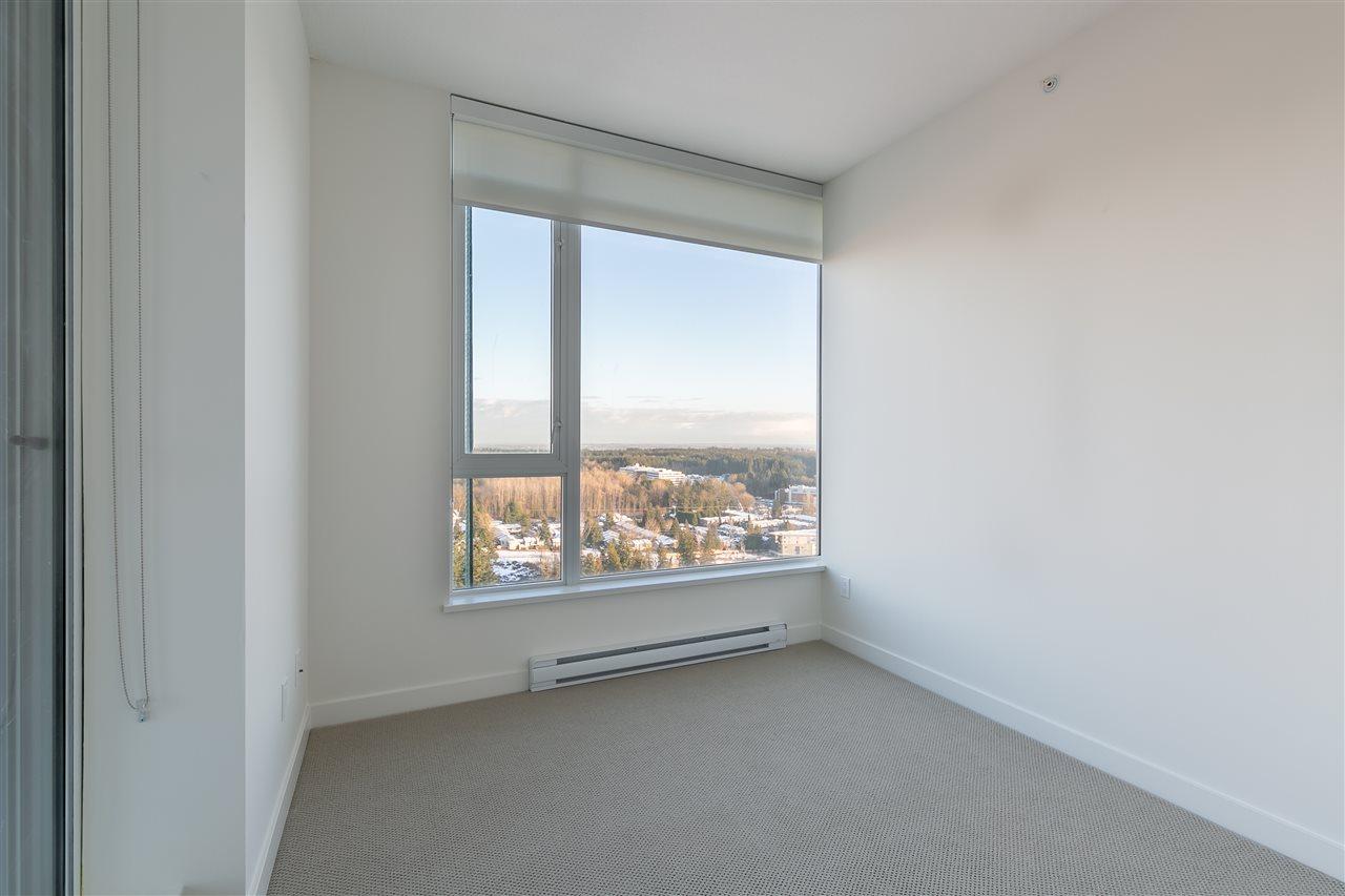 Condo Apartment at 4012 13750 100 AVENUE, Unit 4012, North Surrey, British Columbia. Image 3