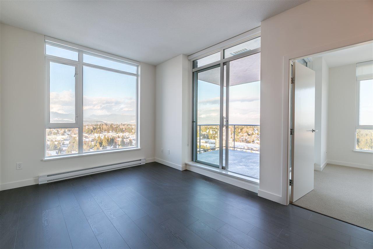 Condo Apartment at 4012 13750 100 AVENUE, Unit 4012, North Surrey, British Columbia. Image 8