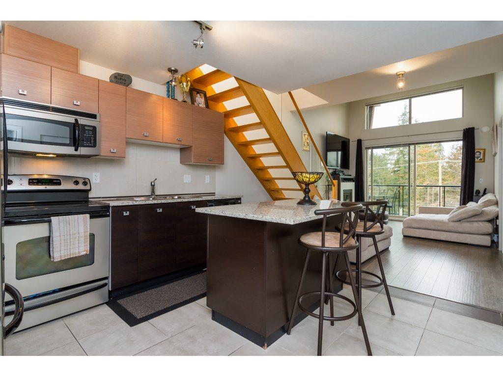 Condo Apartment at 412 6688 120 STREET, Unit 412, Surrey, British Columbia. Image 4