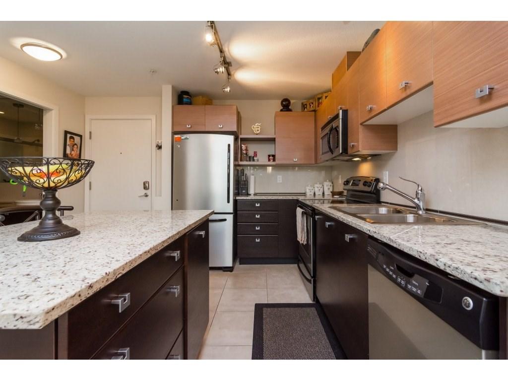 Condo Apartment at 412 6688 120 STREET, Unit 412, Surrey, British Columbia. Image 5