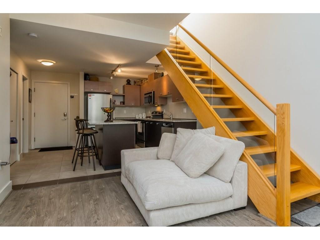 Condo Apartment at 412 6688 120 STREET, Unit 412, Surrey, British Columbia. Image 10