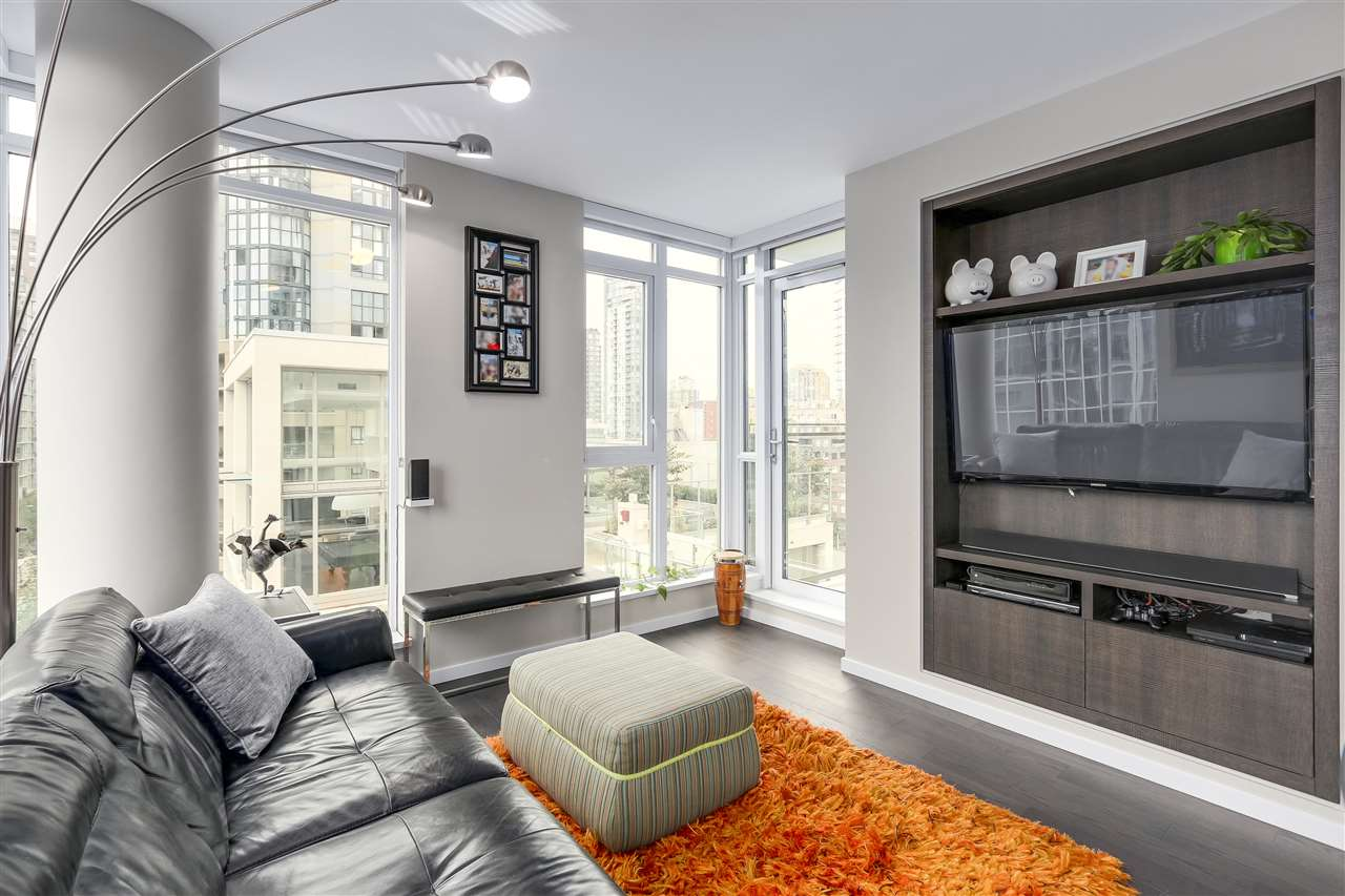 Condo Apartment at 902 1351 CONTINENTAL STREET, Unit 902, Vancouver West, British Columbia. Image 2