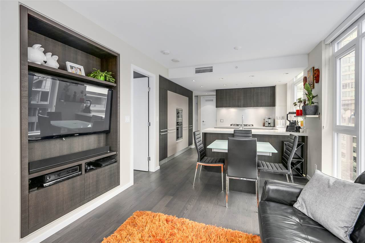 Condo Apartment at 902 1351 CONTINENTAL STREET, Unit 902, Vancouver West, British Columbia. Image 4