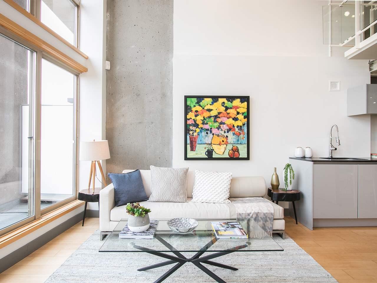 Condo Apartment at 403 1529 W 6TH AVENUE, Unit 403, Vancouver West, British Columbia. Image 3