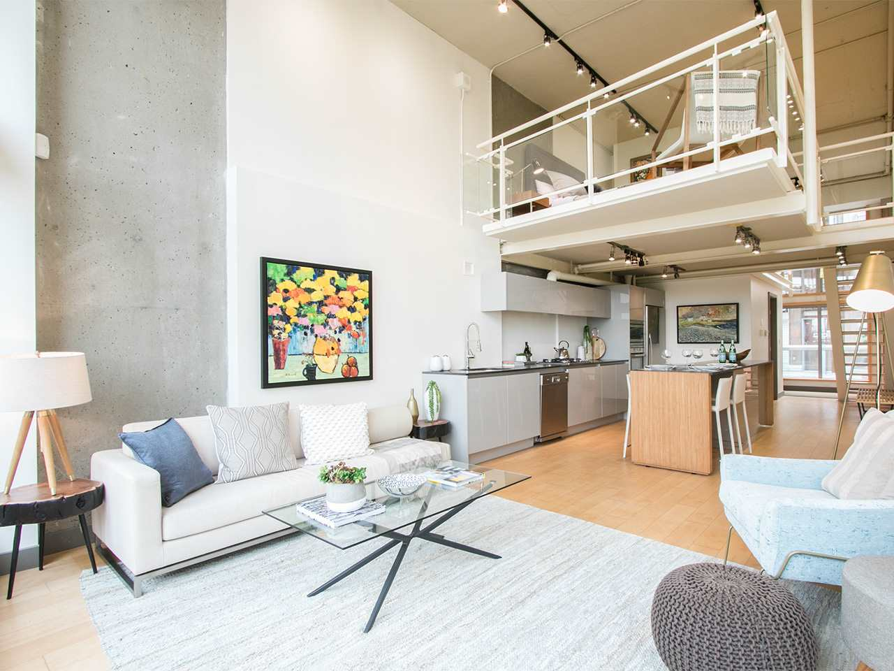 Condo Apartment at 403 1529 W 6TH AVENUE, Unit 403, Vancouver West, British Columbia. Image 4