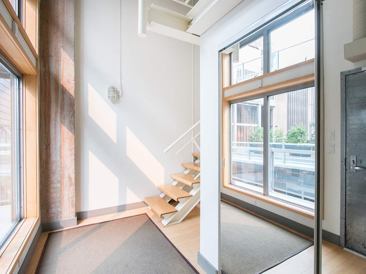 Condo Apartment at 403 1529 W 6TH AVENUE, Unit 403, Vancouver West, British Columbia. Image 11