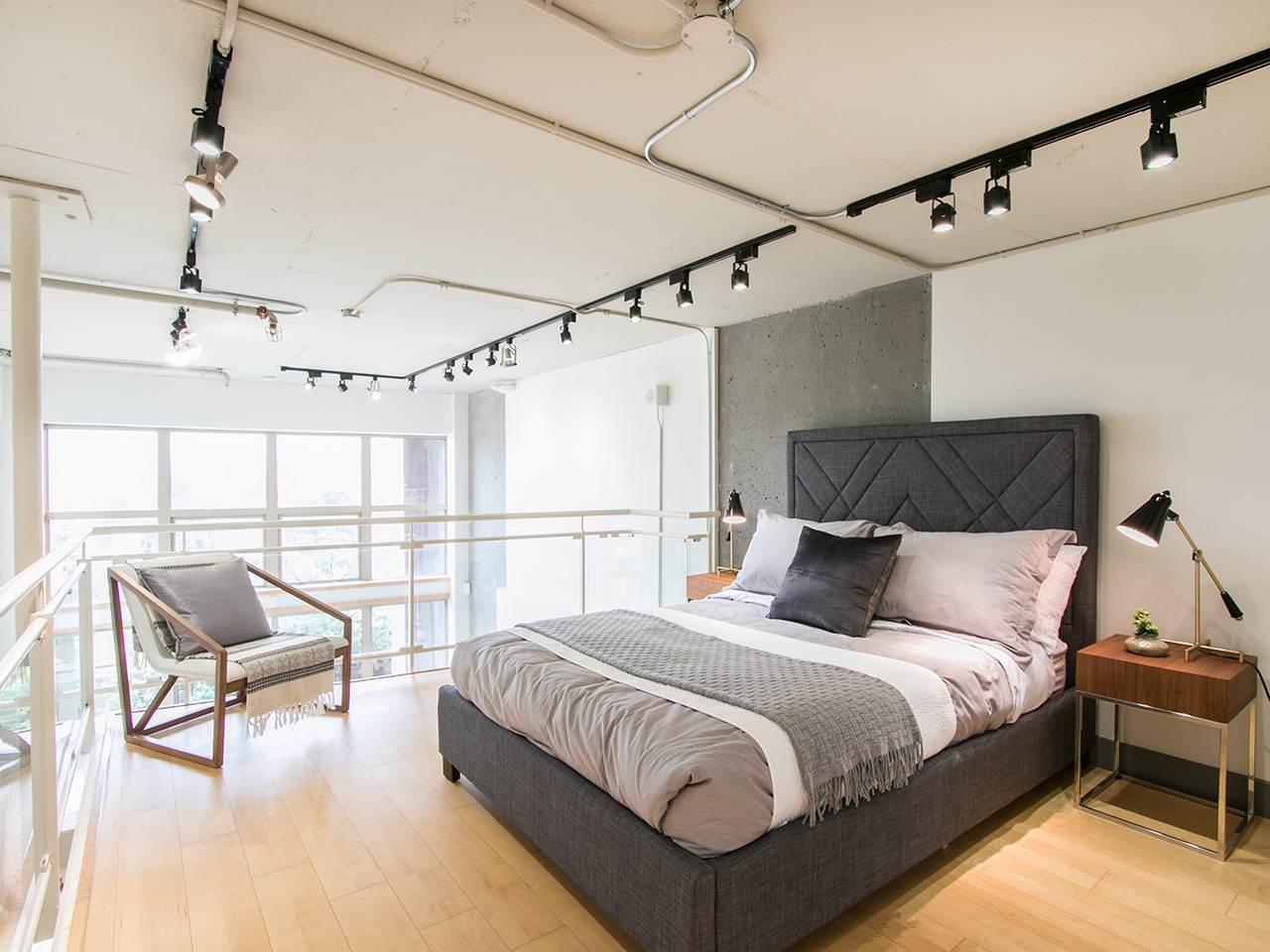 Condo Apartment at 403 1529 W 6TH AVENUE, Unit 403, Vancouver West, British Columbia. Image 12