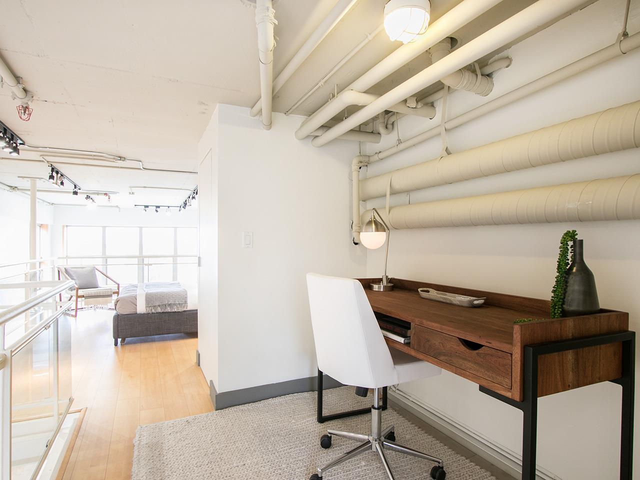 Condo Apartment at 403 1529 W 6TH AVENUE, Unit 403, Vancouver West, British Columbia. Image 15