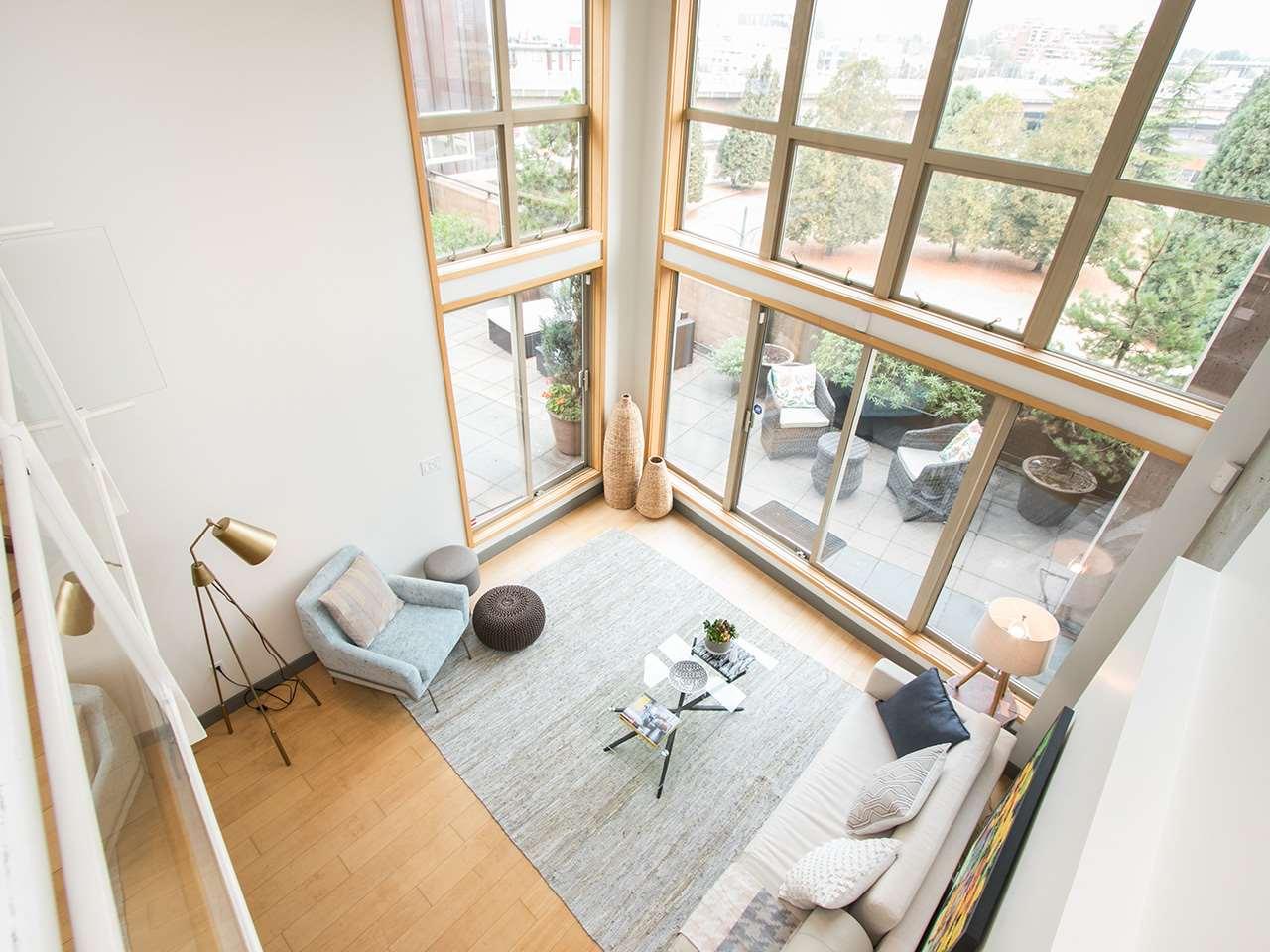 Condo Apartment at 403 1529 W 6TH AVENUE, Unit 403, Vancouver West, British Columbia. Image 16