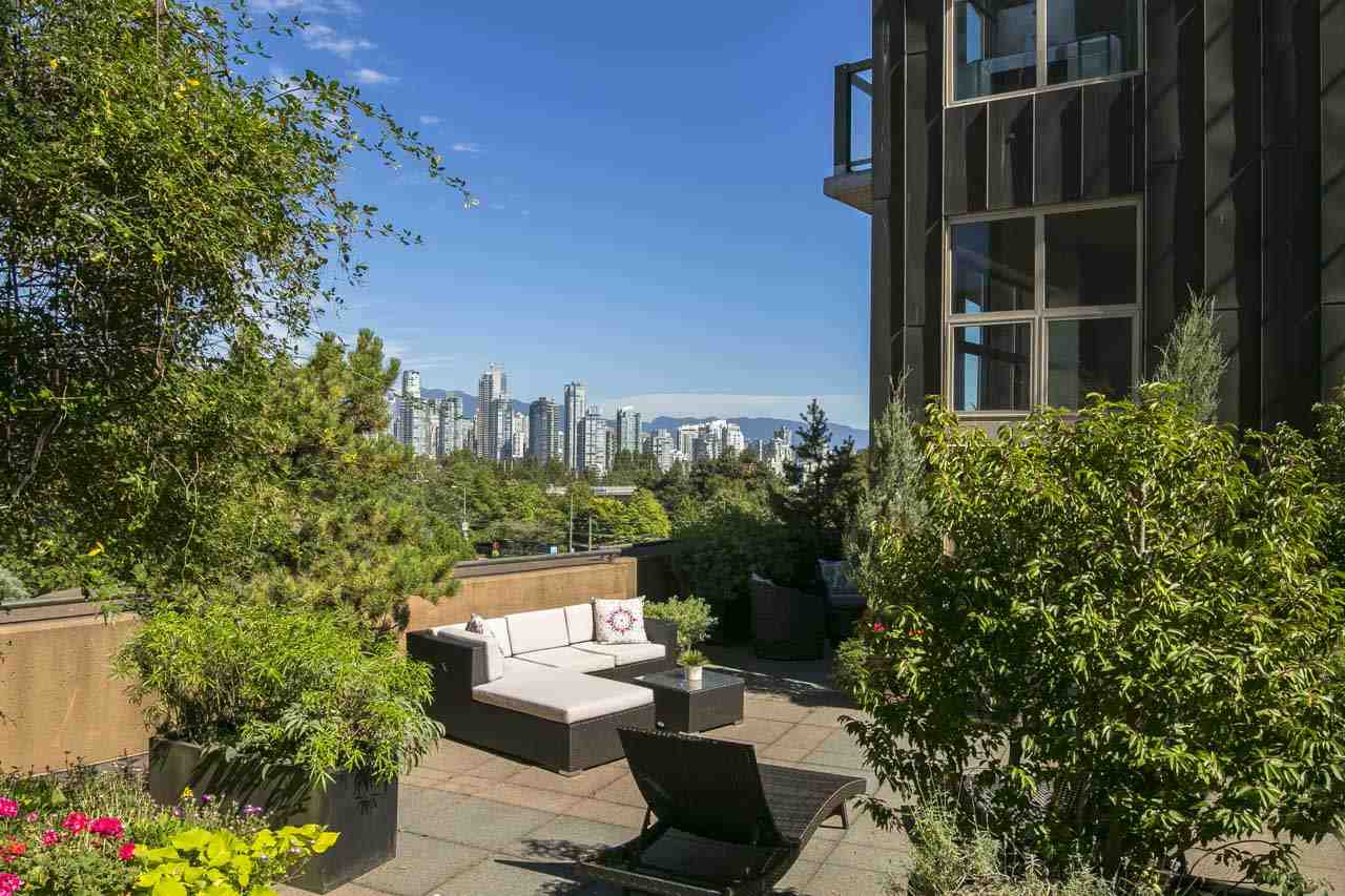 Condo Apartment at 403 1529 W 6TH AVENUE, Unit 403, Vancouver West, British Columbia. Image 18