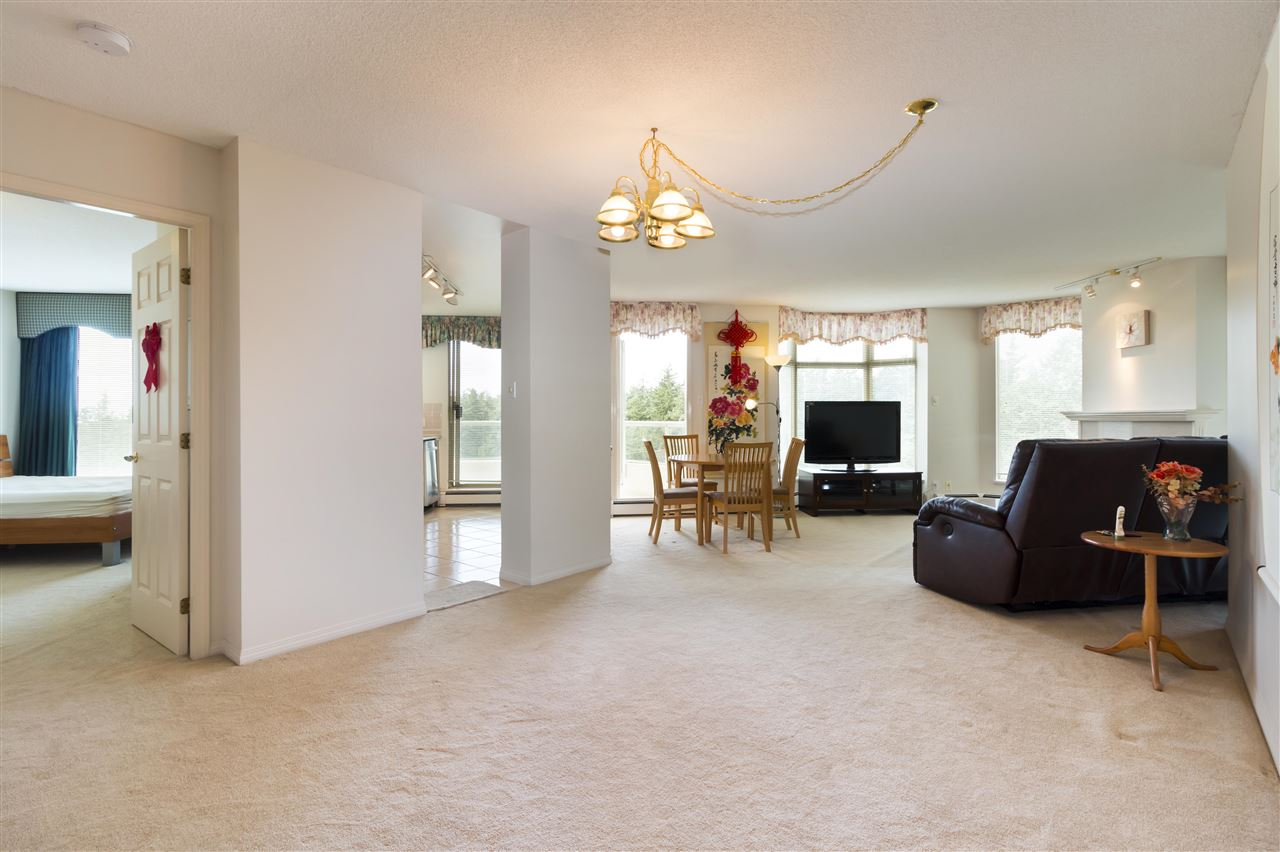 Condo Apartment at 1703 6188 PATTERSON AVENUE, Unit 1703, Burnaby South, British Columbia. Image 3