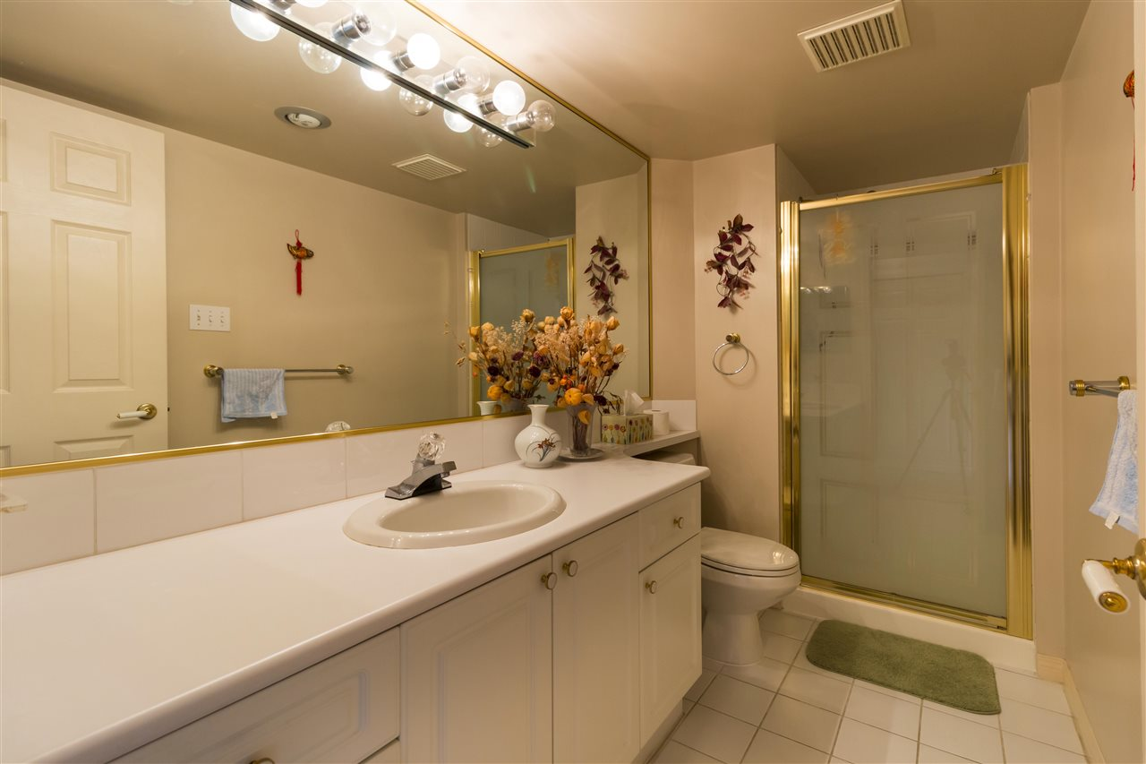 Condo Apartment at 1703 6188 PATTERSON AVENUE, Unit 1703, Burnaby South, British Columbia. Image 5