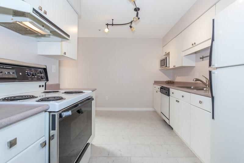 Condo Apartment at 227 3 RIALTO COURT, Unit 227, New Westminster, British Columbia. Image 2