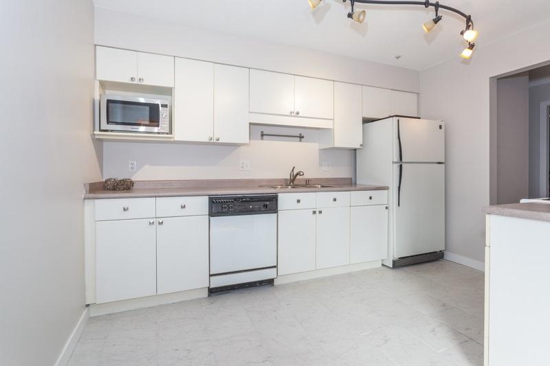 Condo Apartment at 227 3 RIALTO COURT, Unit 227, New Westminster, British Columbia. Image 3