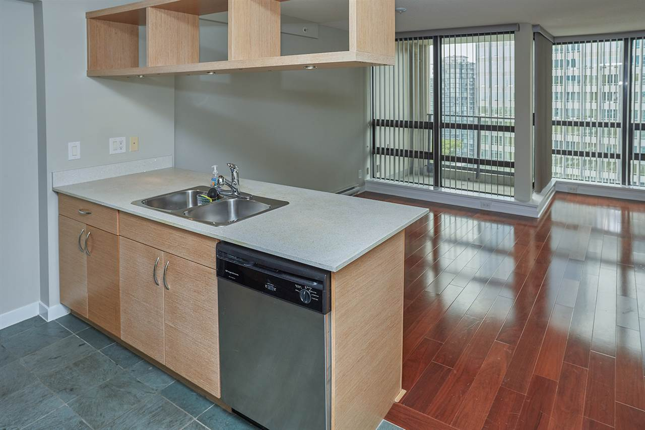 Condo Apartment at 2307 938 SMITHE STREET, Unit 2307, Vancouver West, British Columbia. Image 5