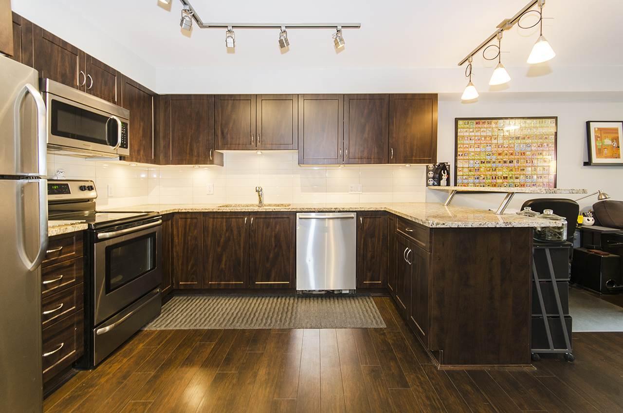 Condo Apartment at 205 2191 SHAUGHNESSY STREET, Unit 205, Port Coquitlam, British Columbia. Image 3