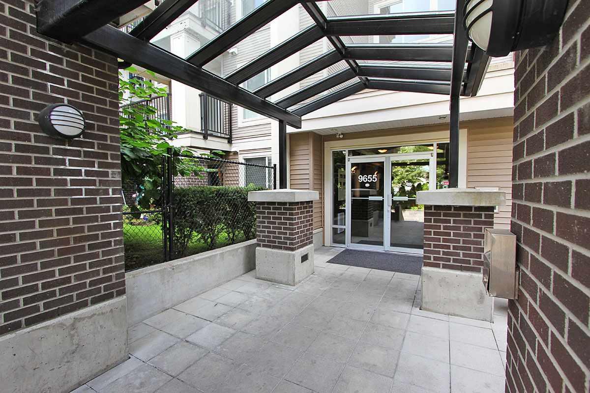 Condo Apartment at 326 9655 KING GEORGE BOULEVARD, Unit 326, North Surrey, British Columbia. Image 2