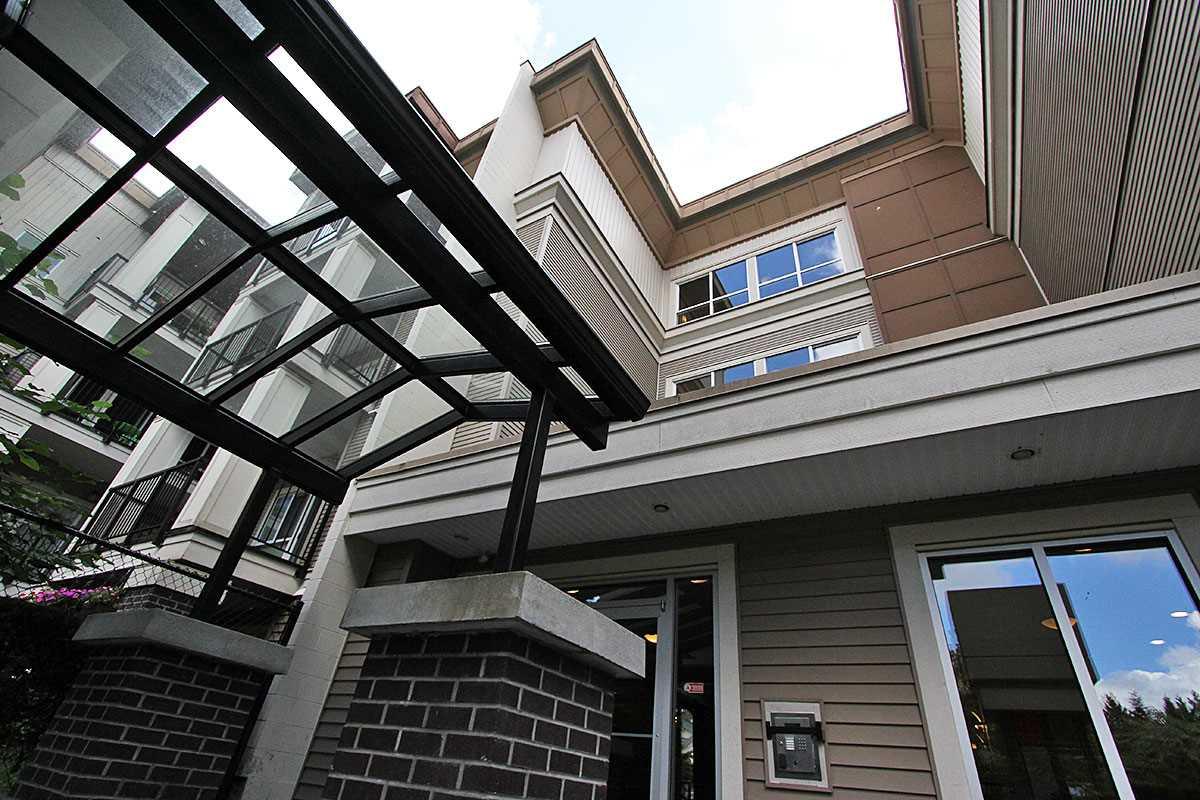 Condo Apartment at 326 9655 KING GEORGE BOULEVARD, Unit 326, North Surrey, British Columbia. Image 3