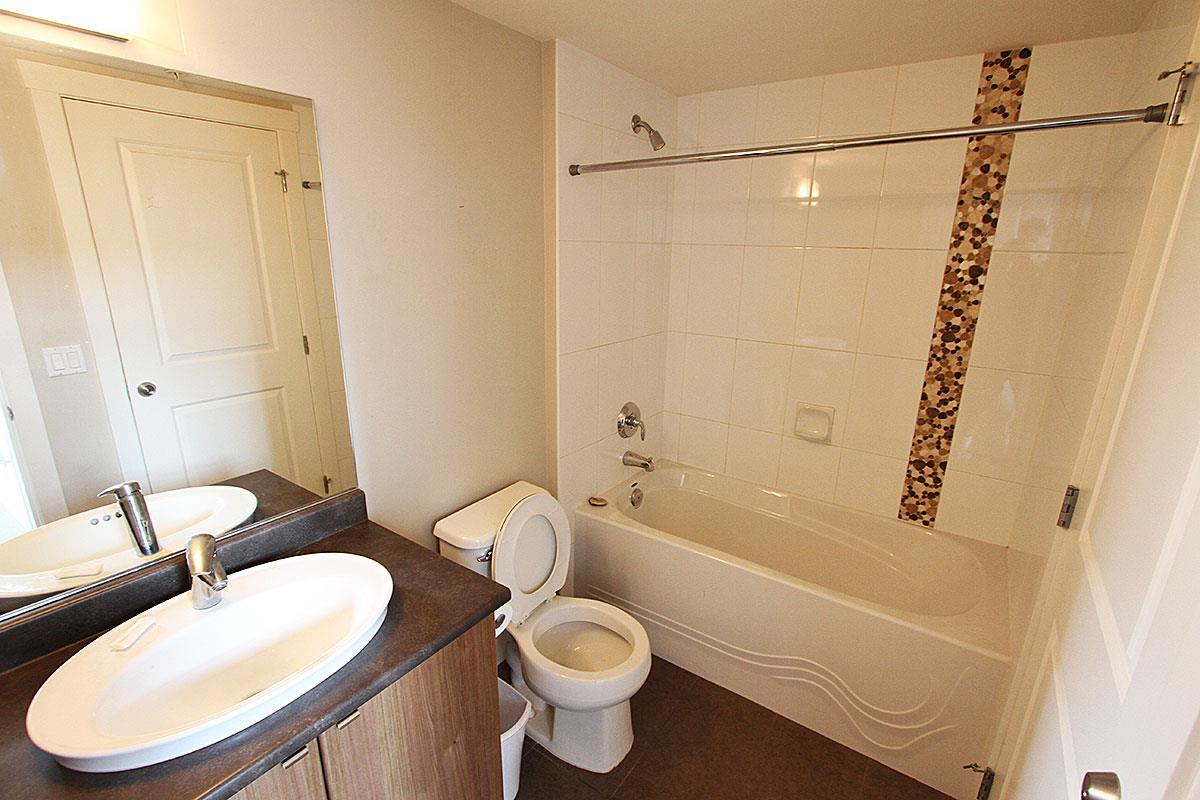 Condo Apartment at 326 9655 KING GEORGE BOULEVARD, Unit 326, North Surrey, British Columbia. Image 8