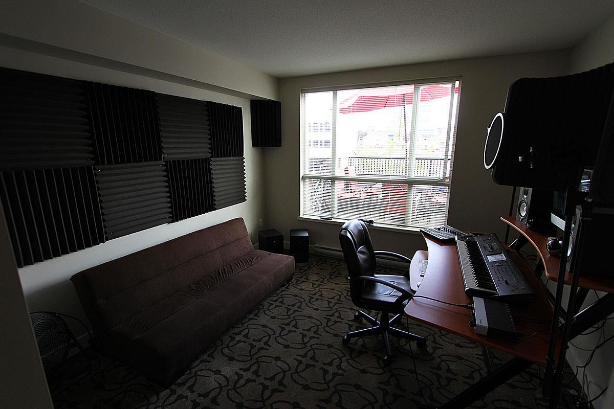 Condo Apartment at 326 9655 KING GEORGE BOULEVARD, Unit 326, North Surrey, British Columbia. Image 9