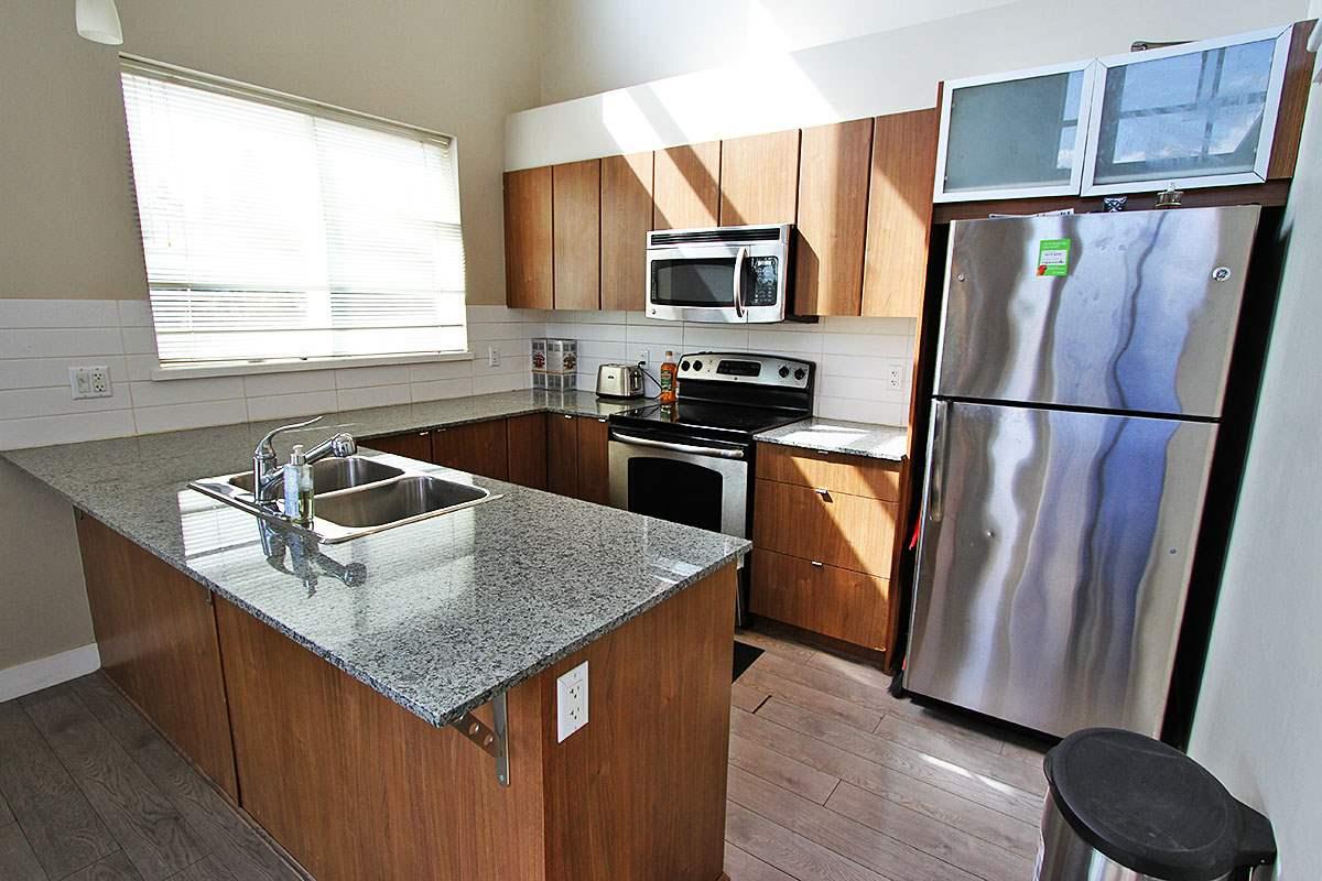 Condo Apartment at 326 9655 KING GEORGE BOULEVARD, Unit 326, North Surrey, British Columbia. Image 11