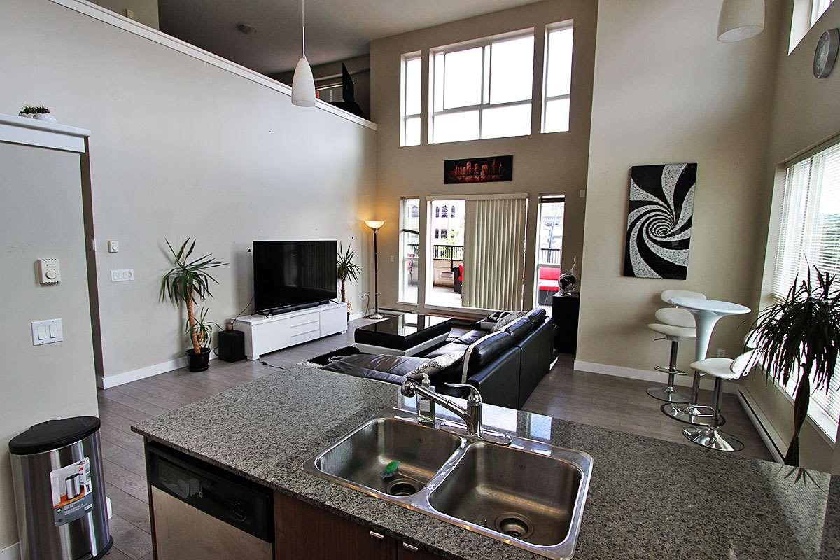 Condo Apartment at 326 9655 KING GEORGE BOULEVARD, Unit 326, North Surrey, British Columbia. Image 12
