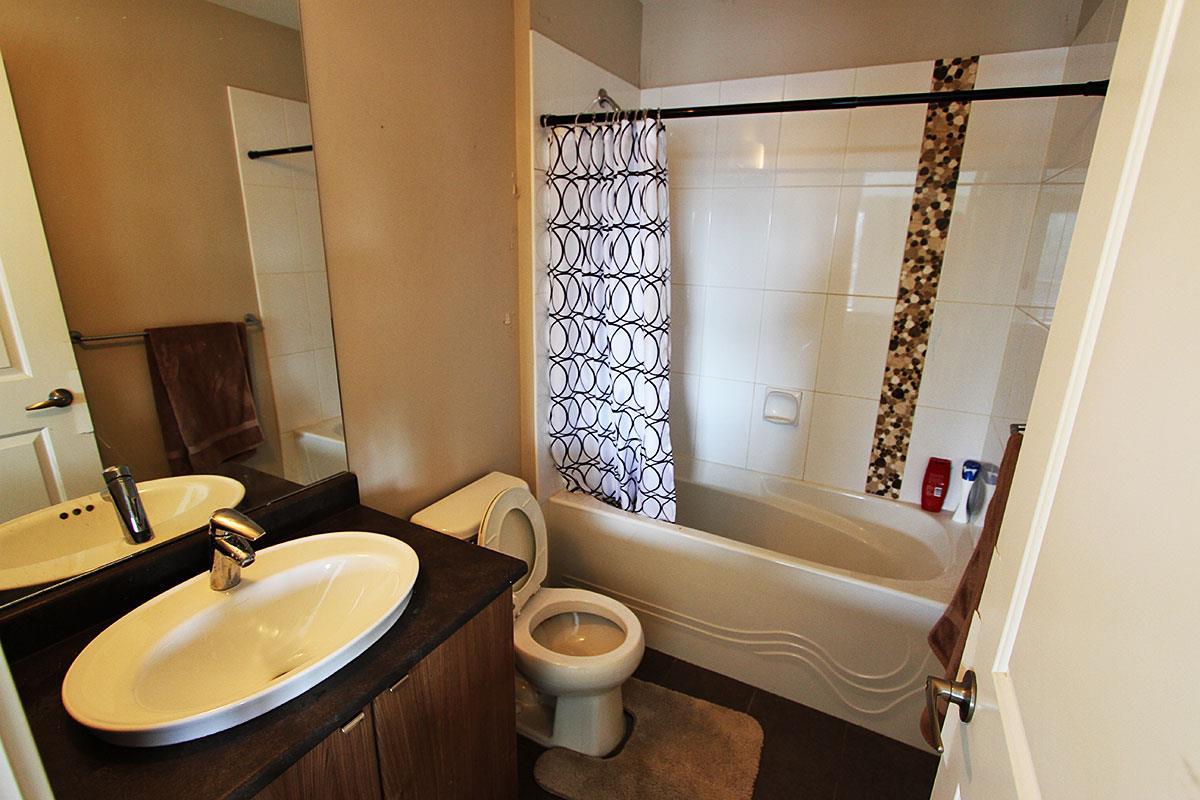 Condo Apartment at 326 9655 KING GEORGE BOULEVARD, Unit 326, North Surrey, British Columbia. Image 16