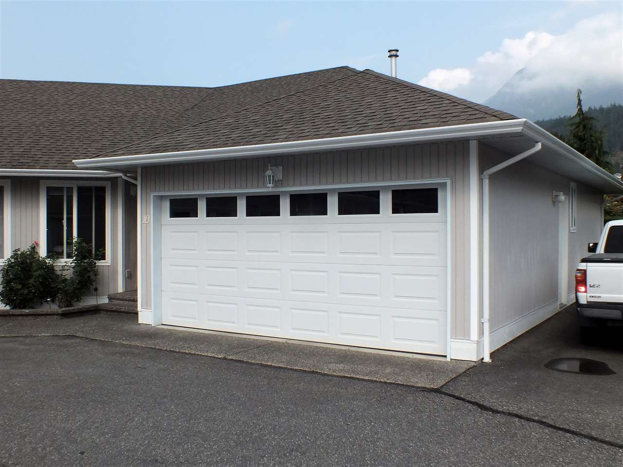 Townhouse at 10 659 DOUGLAS STREET, Unit 10, Hope, British Columbia. Image 3