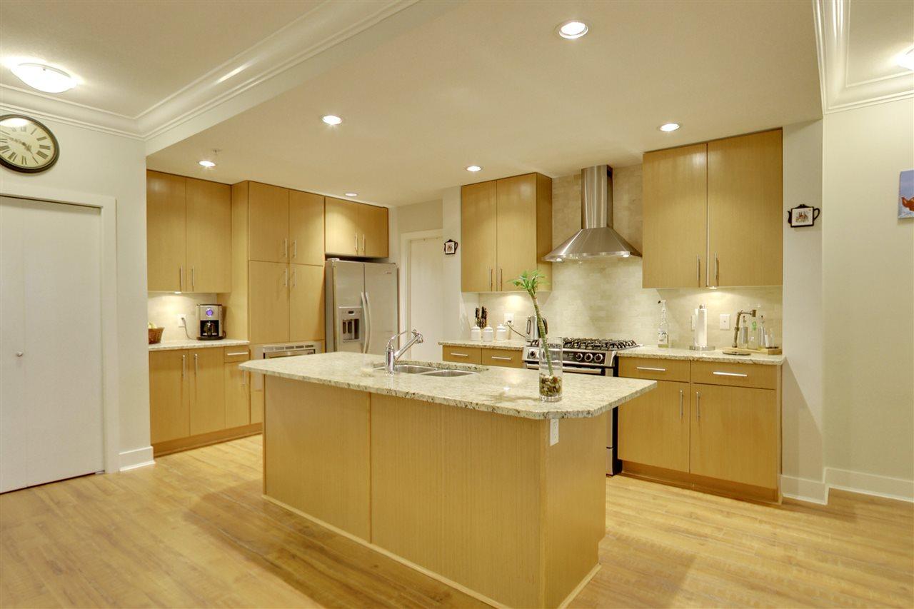 Condo Apartment at 201 16499 64 AVENUE, Unit 201, Cloverdale, British Columbia. Image 2
