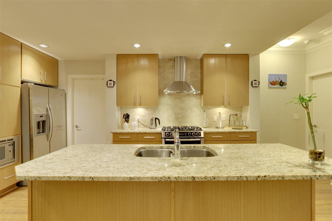 Condo Apartment at 201 16499 64 AVENUE, Unit 201, Cloverdale, British Columbia. Image 3