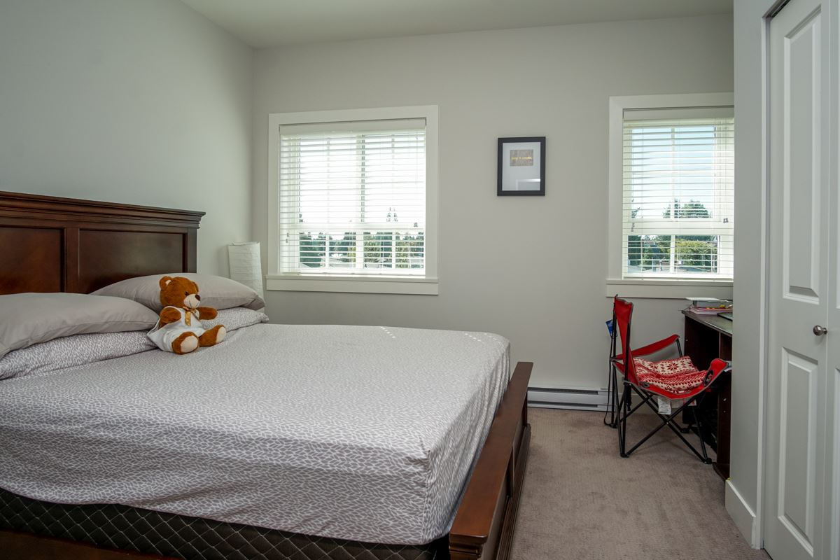 Townhouse at 4 1935 MANNING AVENUE, Unit 4, Port Coquitlam, British Columbia. Image 19