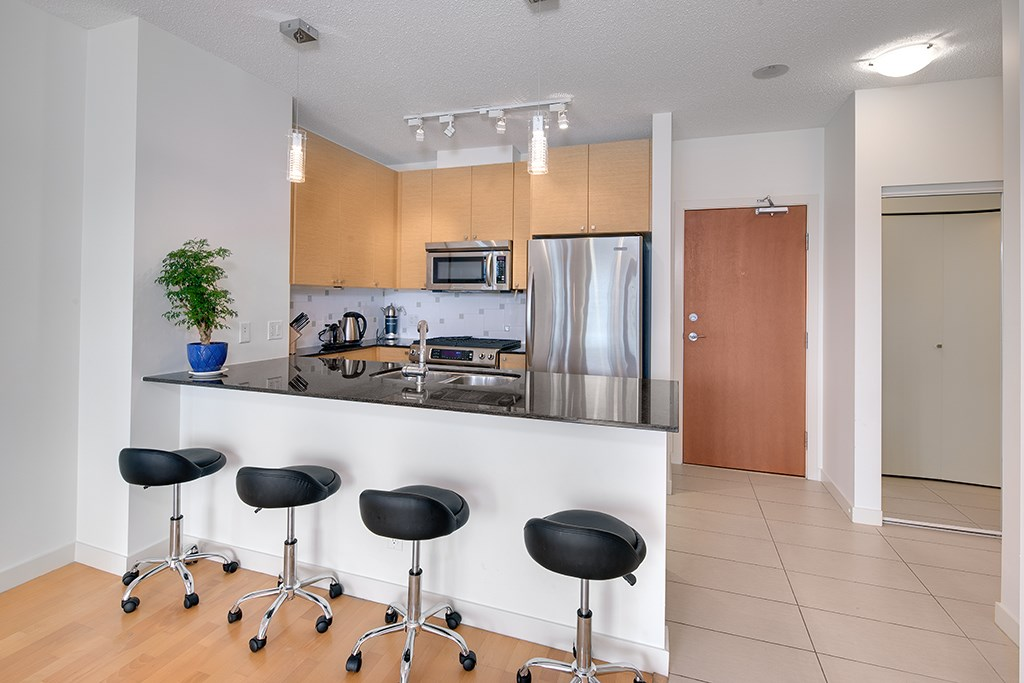 Condo Apartment at 1703 110 BREW STREET, Unit 1703, Port Moody, British Columbia. Image 7