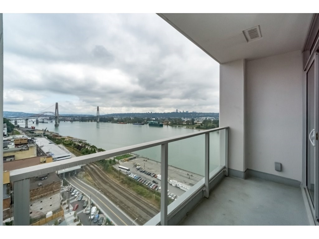 Condo Apartment at 2005 668 COLUMBIA STREET, Unit 2005, New Westminster, British Columbia. Image 2
