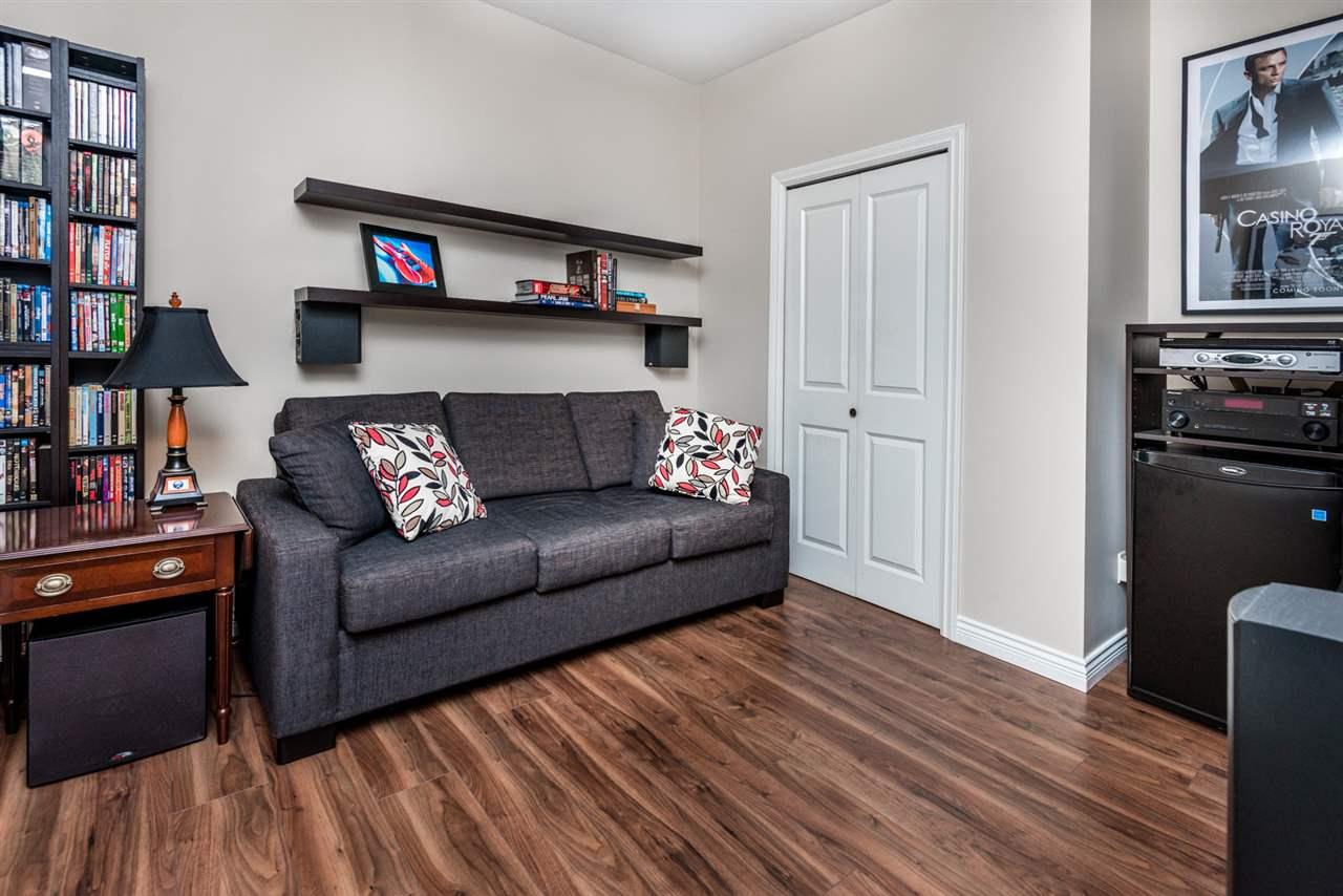 Half-duplex at 8428 14TH AVENUE, Burnaby East, British Columbia. Image 17