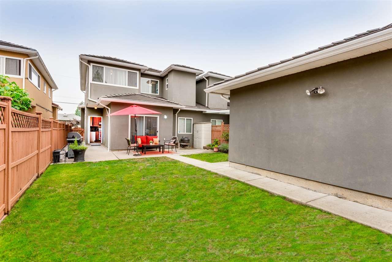 Half-duplex at 8428 14TH AVENUE, Burnaby East, British Columbia. Image 19