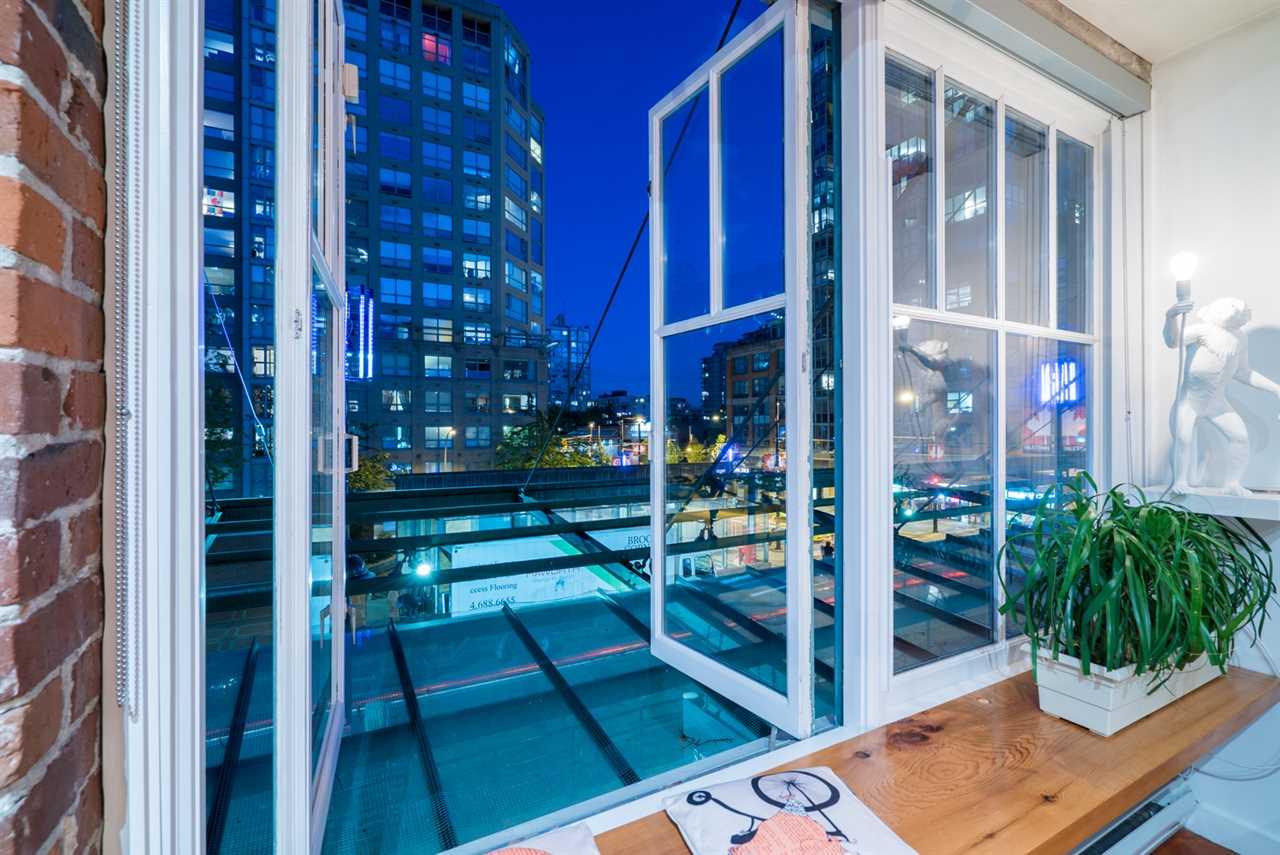 Condo Apartment at 210 1178 HAMILTON STREET, Unit 210, Vancouver West, British Columbia. Image 3