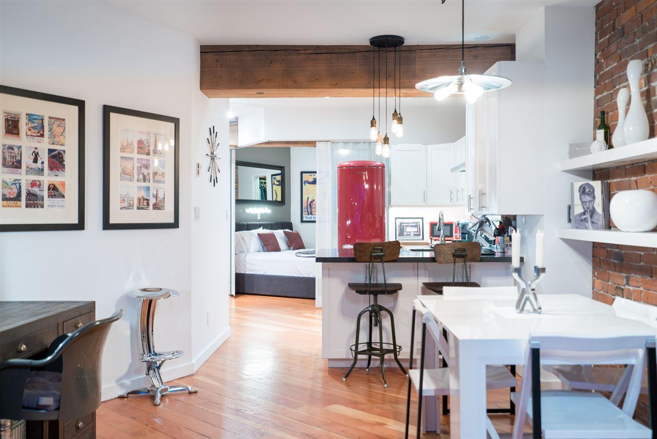 Condo Apartment at 210 1178 HAMILTON STREET, Unit 210, Vancouver West, British Columbia. Image 4