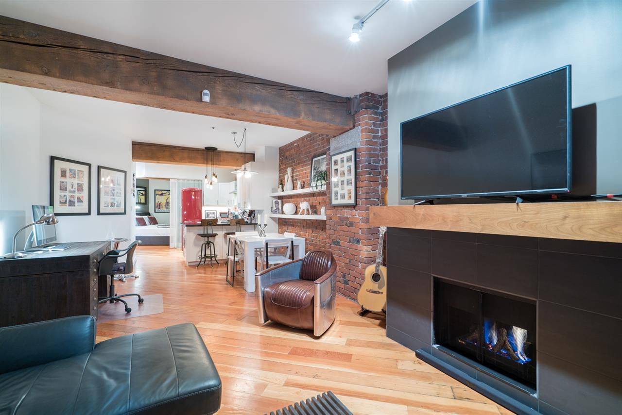 Condo Apartment at 210 1178 HAMILTON STREET, Unit 210, Vancouver West, British Columbia. Image 7